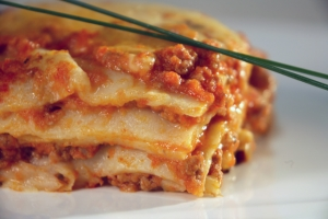 Lasagna (the way that Mama makes)